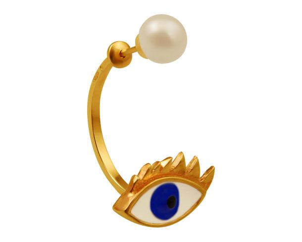 Un gran éxito, sus pendientes-ojo con perla.