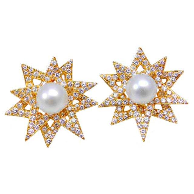 Combinado con otra tendencia: las perlas, nos recuerda a la rosa de los vientos.