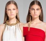Dona Karan: Maxi Collar  y arete dorado metálico.