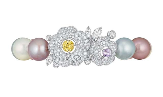 Chanel-Les-Perles-de-Chanel-Printemps-de-Camelia-Bracelet